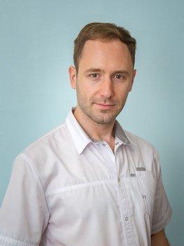 стоматолог Зубко Юрий Павлович